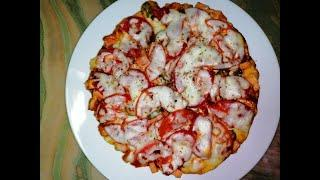 Pizza. How to make pizza very easy in multicooker. Pizza with sausage, olive, tomatoe and mozzarella